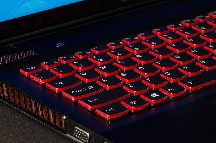 "[Black Friday] Gaming Laptop Lenovo Ideapad Y700 15"" -i5-8GB-256GBSSD PCIe - GeForce GTX 960M 4GB"