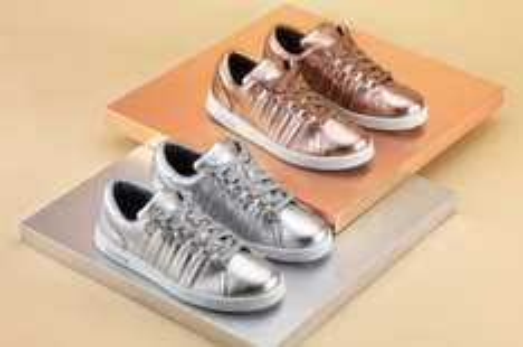 UPDATE: nu 19,98 K-Swiss dames sneakers voor €29,99 @ Sidestep