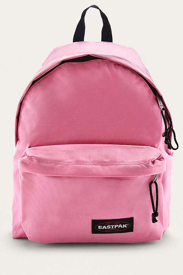 Diverse Eastpak tassen in de aanbieding @ Urban Outfitters