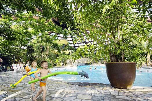 Center parcs de huttenheugte dagentree subtropisch zwemparadijs