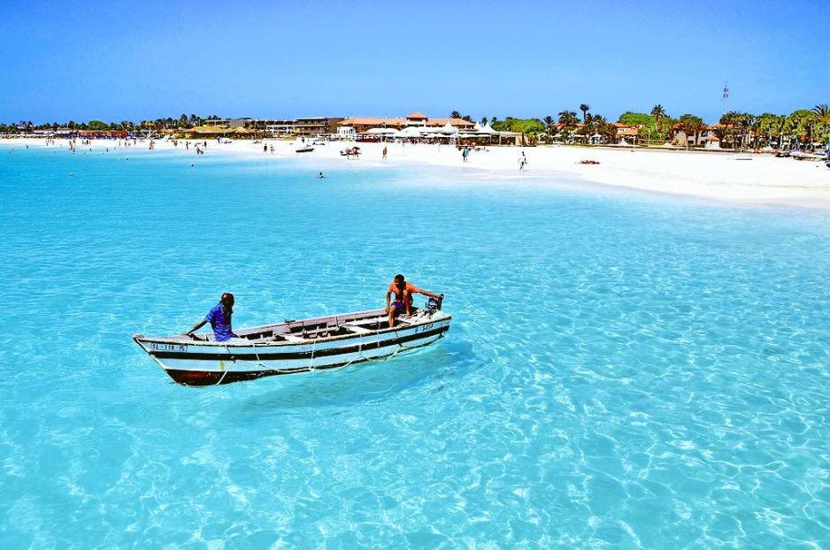 Retour AMS - Kaapverdië via TUI Fly voor €214