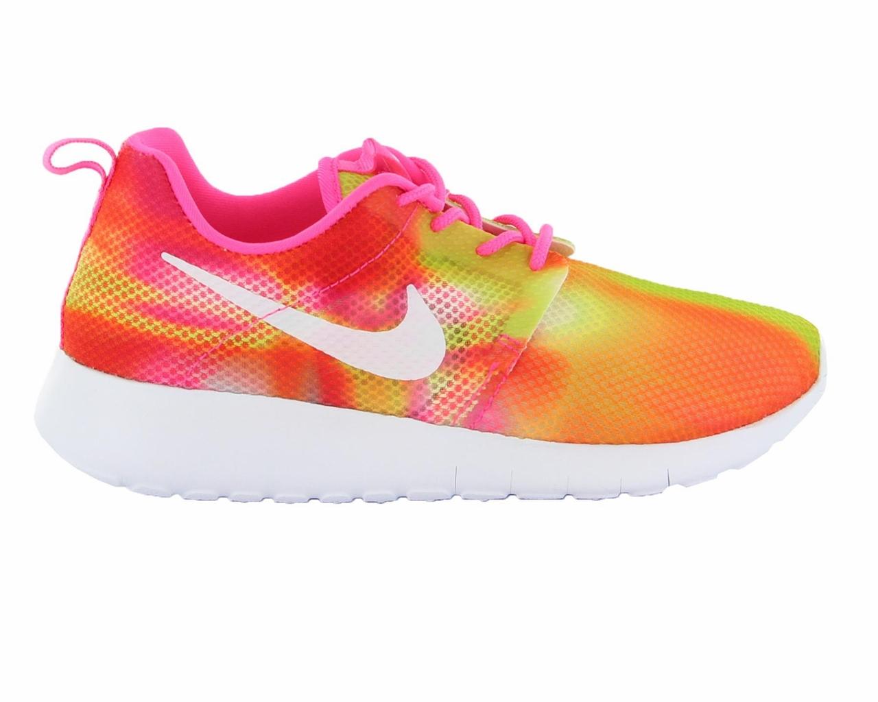 Nike Roshe One girls sneakers -65% @ Soccerfanshop