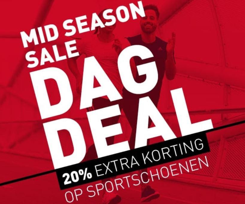 Dagdeal: SALE sportschoenen 20% extra + 10% met code @ Perry Sport