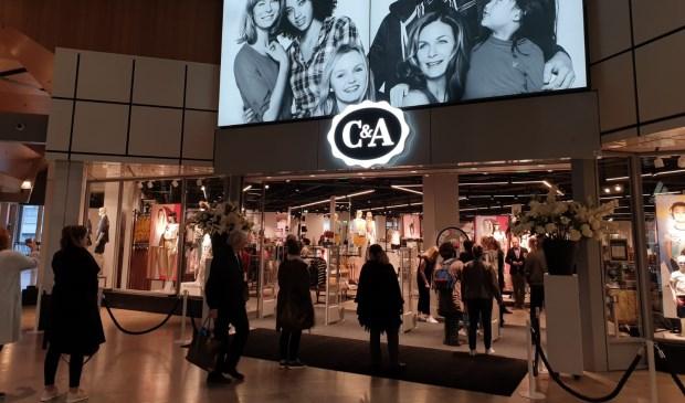 C&A viert nieuw filiaal in Alexandrium en geeft 100 gratis jeans weg! [Rotterdam PrinsAlexanderpolder]
