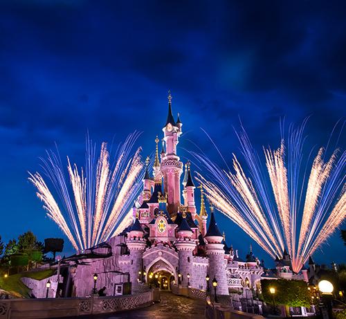 2x toegangskaartje + overnachting in 4*-hotel voor Disneyland Parijs €150 @ Travelcircus.de