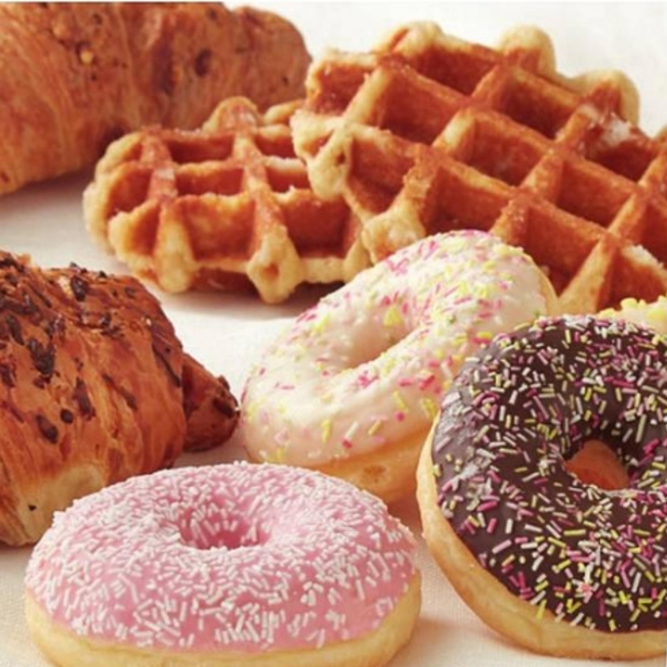(50% korting) Donuts, wafels en croissants @PLUS