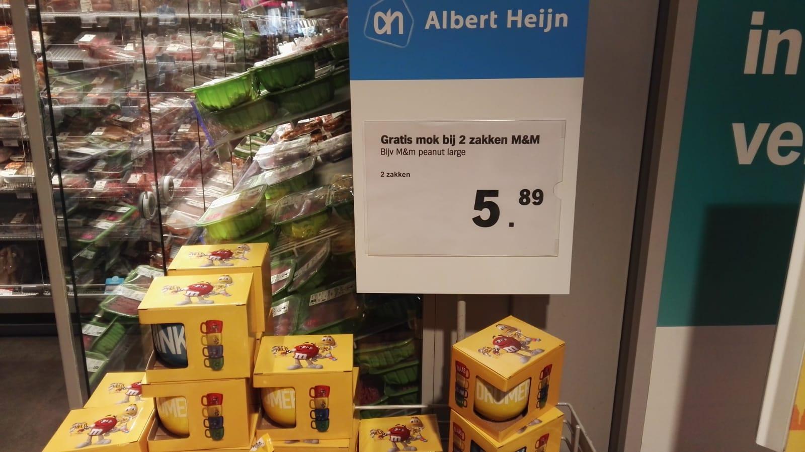 [Lokaal] Een gratis M&M mok bij de aankoop van twee zakken M&M's @AH voor €5,89