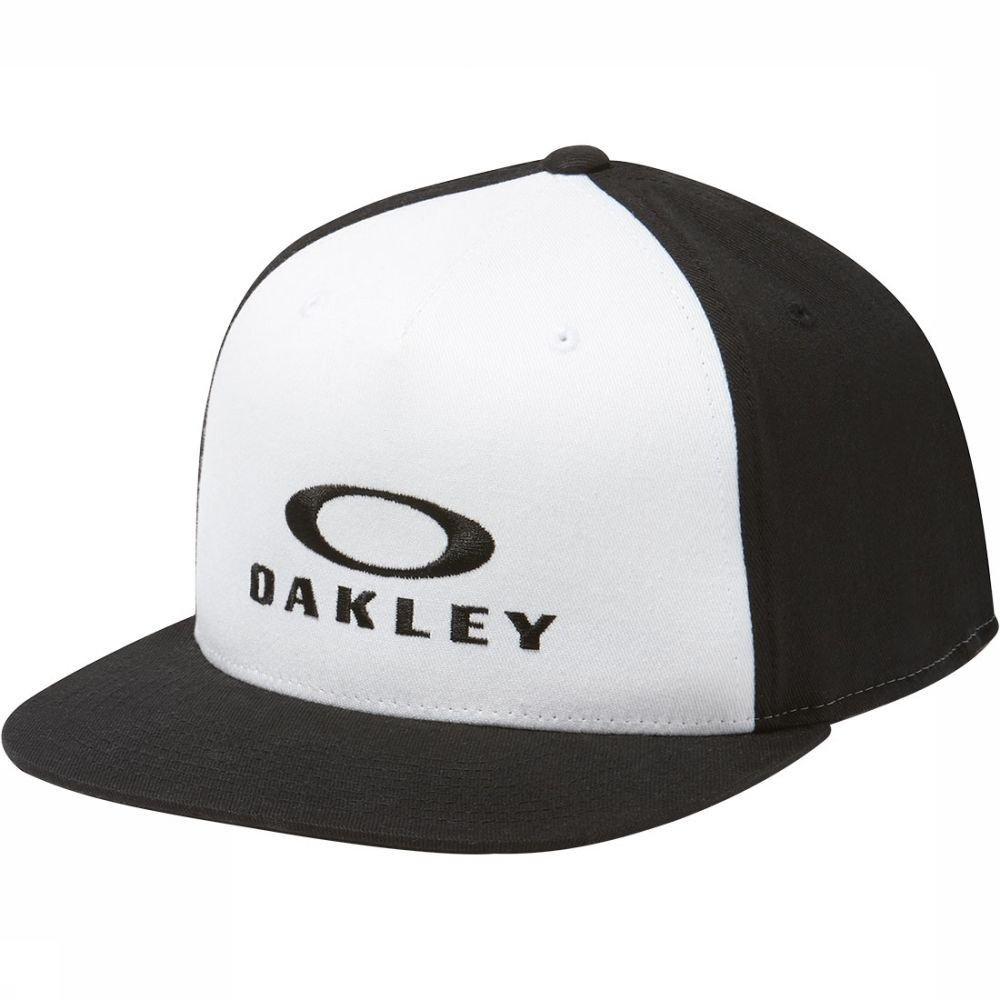Oakley pet -70% korting