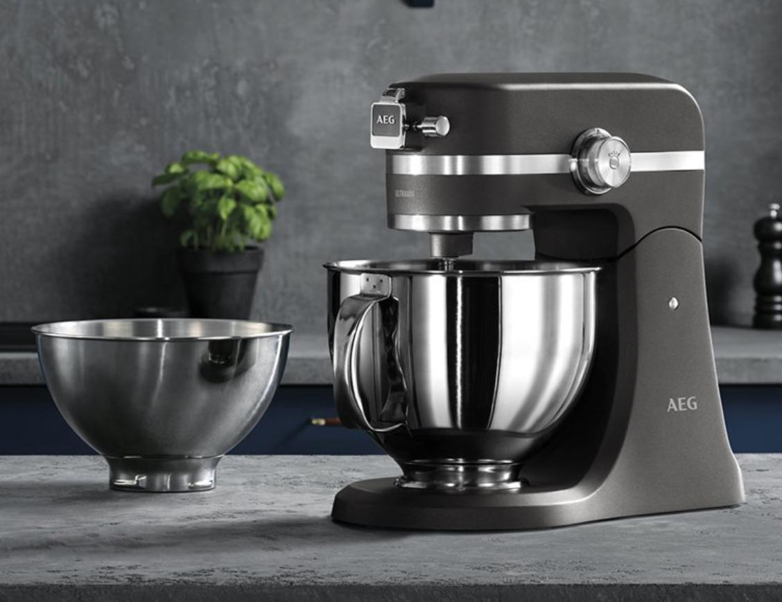AEG KM5540 keukenmachine grijs voor €220,77 @ Amazon.de