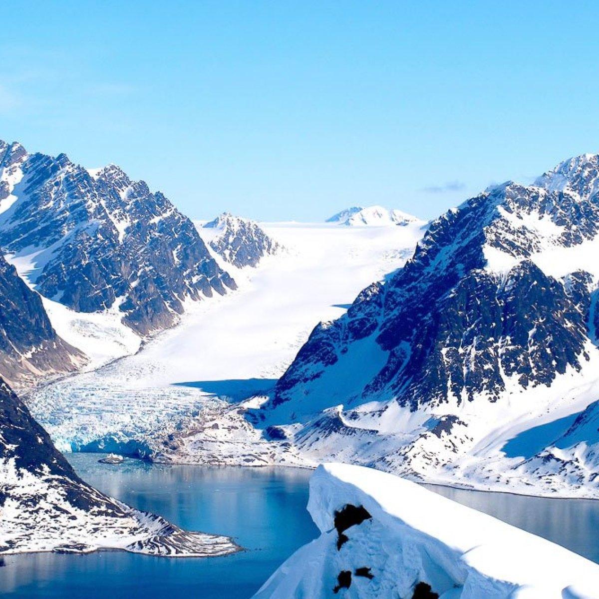 Vliegtickets: Amsterdam naar de Noordpool (Spitsbergen) vanaf €216 @ SAS/Norwegian