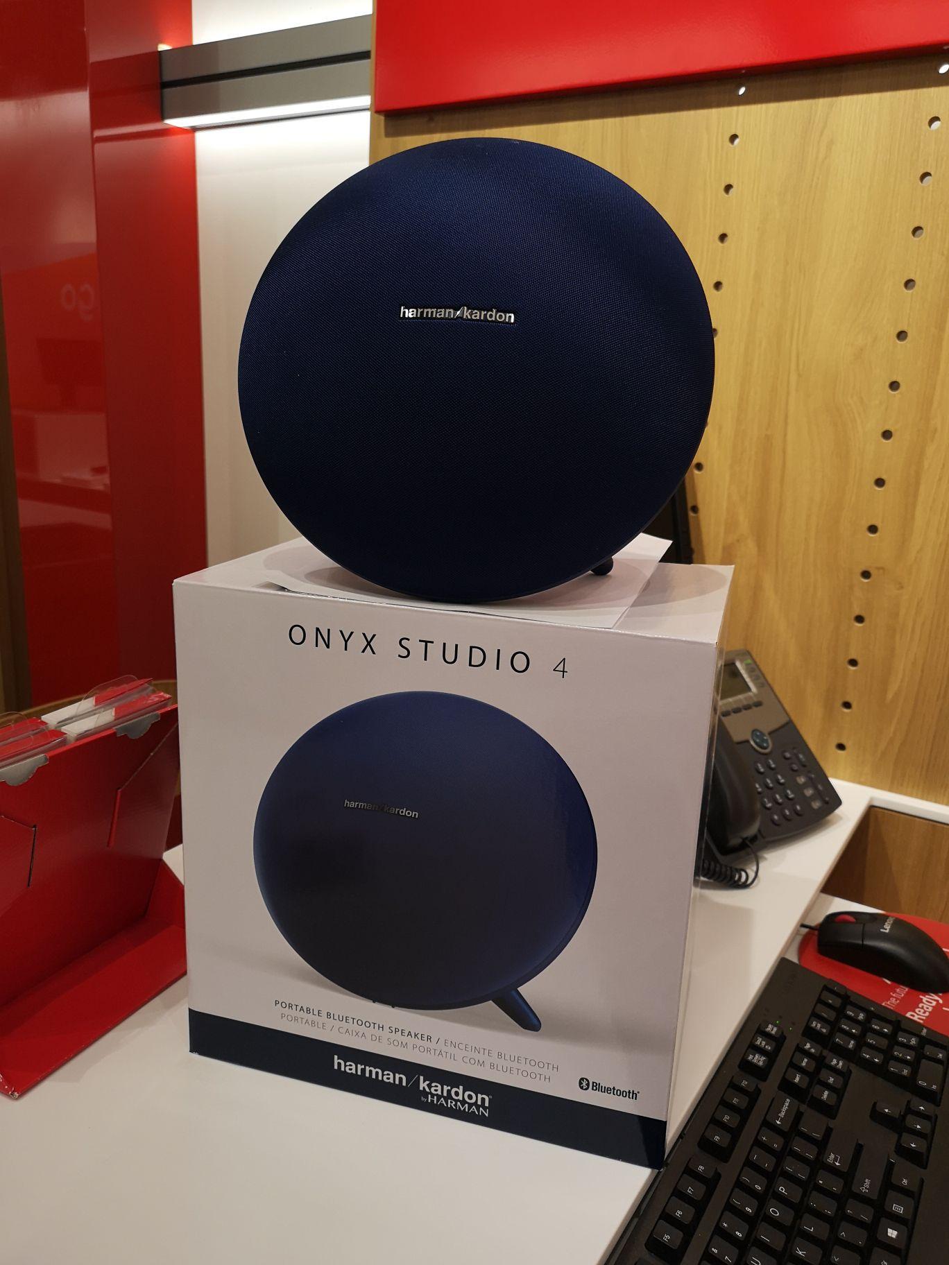 Harman/Kardon Onyx Studio 4 @ Vodafone winkel in Zwolle