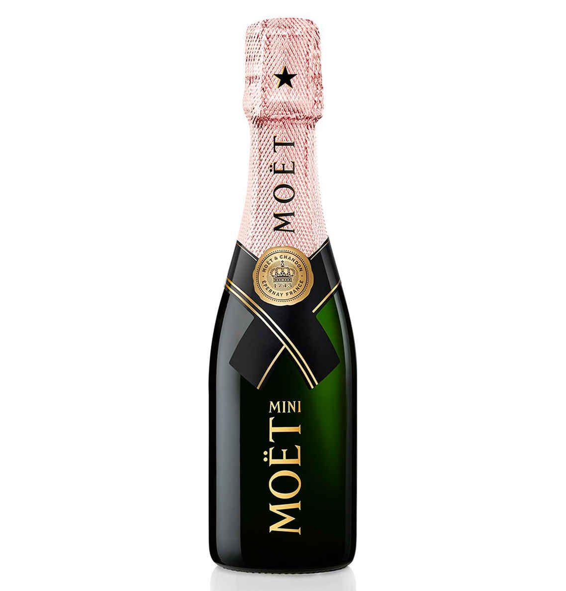 Geslaagd!? Klein flesje Moet & Chandon rose champagne met 82% korting @ Hudson's Bay