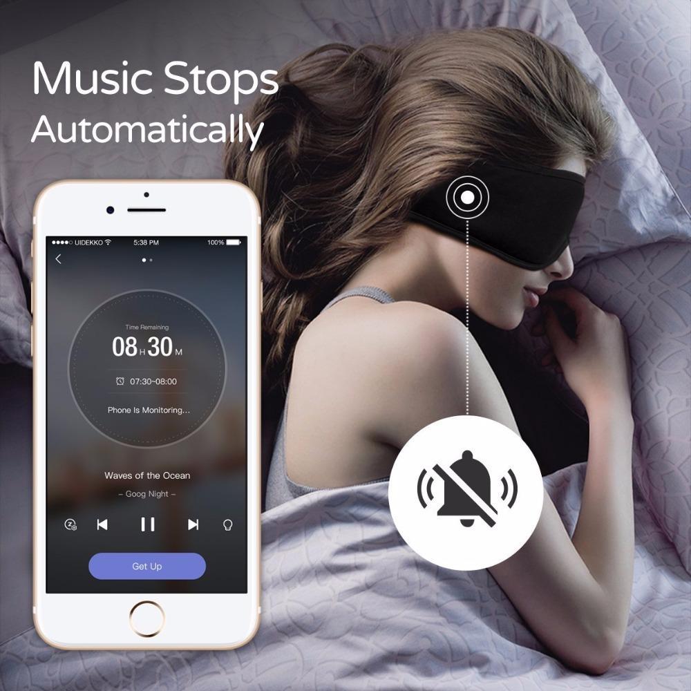 Slaapmasker met headphones handig in het vliegtuig