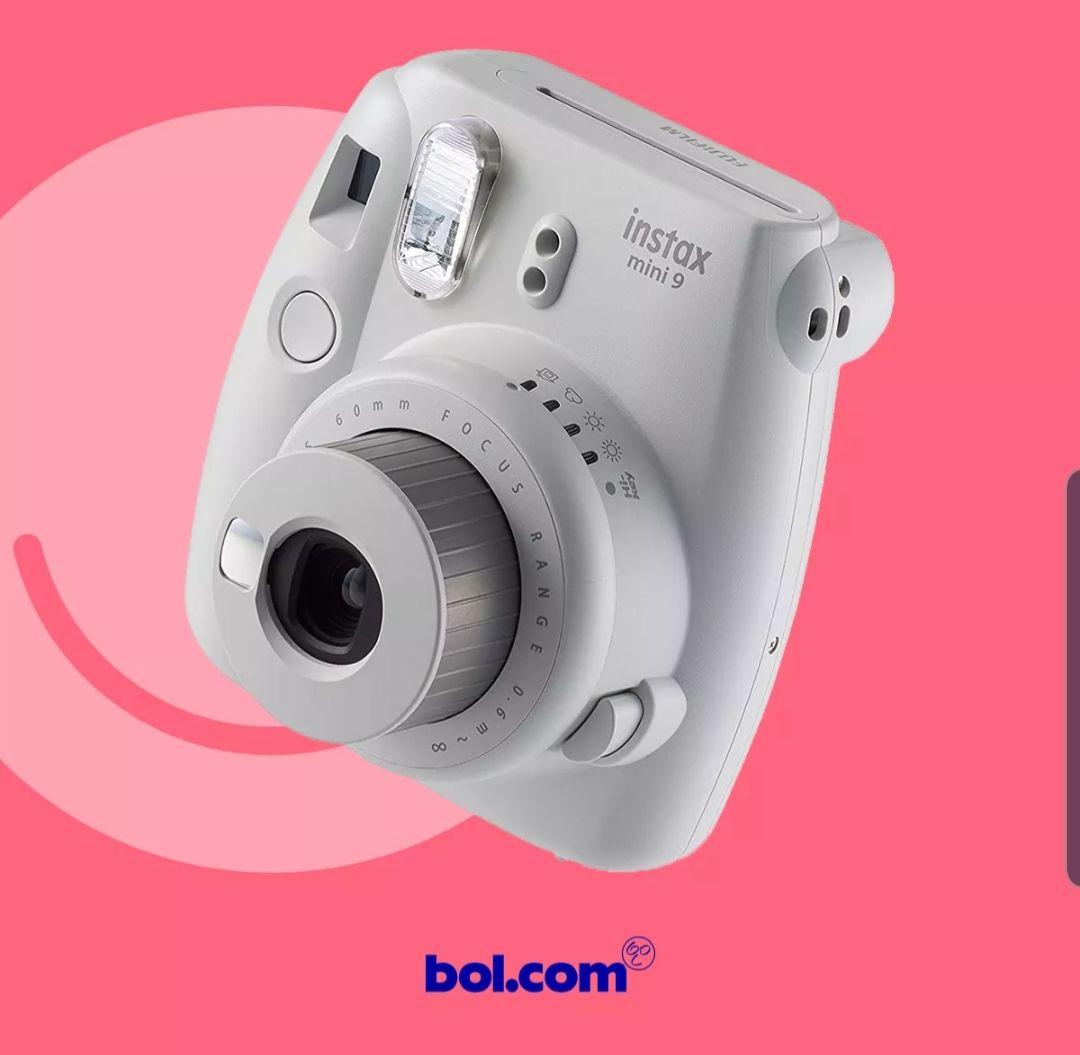 Gratis INSTAX MINI 9 (twv €64,99) bij aanschaf van TomTom Go navigatiesysteem bij bol.com