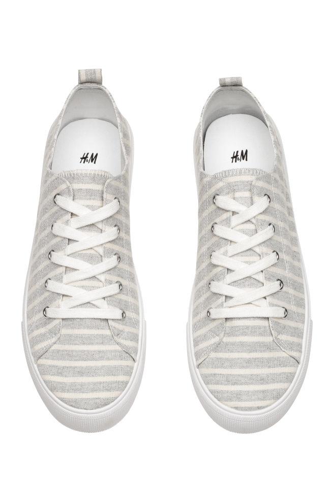 Dames sneakers (waren €12,99) + 10-20% extra korting @ H&M