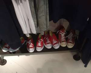 Converse all stars voor €15 @Thesting