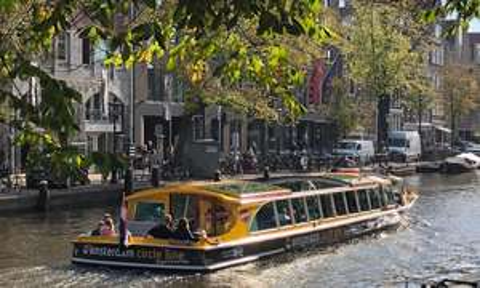 Amsterdam: rondvaart van 90 min. of 24 uur hop-on-hop-off (2 pers.) @Groupon