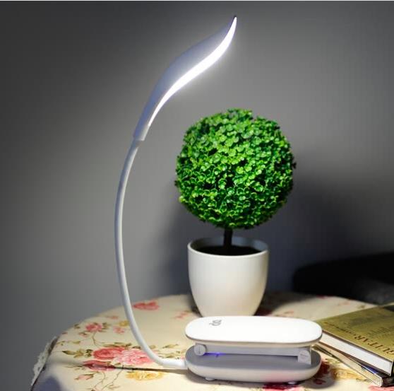 LED bureau lamp met USB aansluiting + gratis verzending