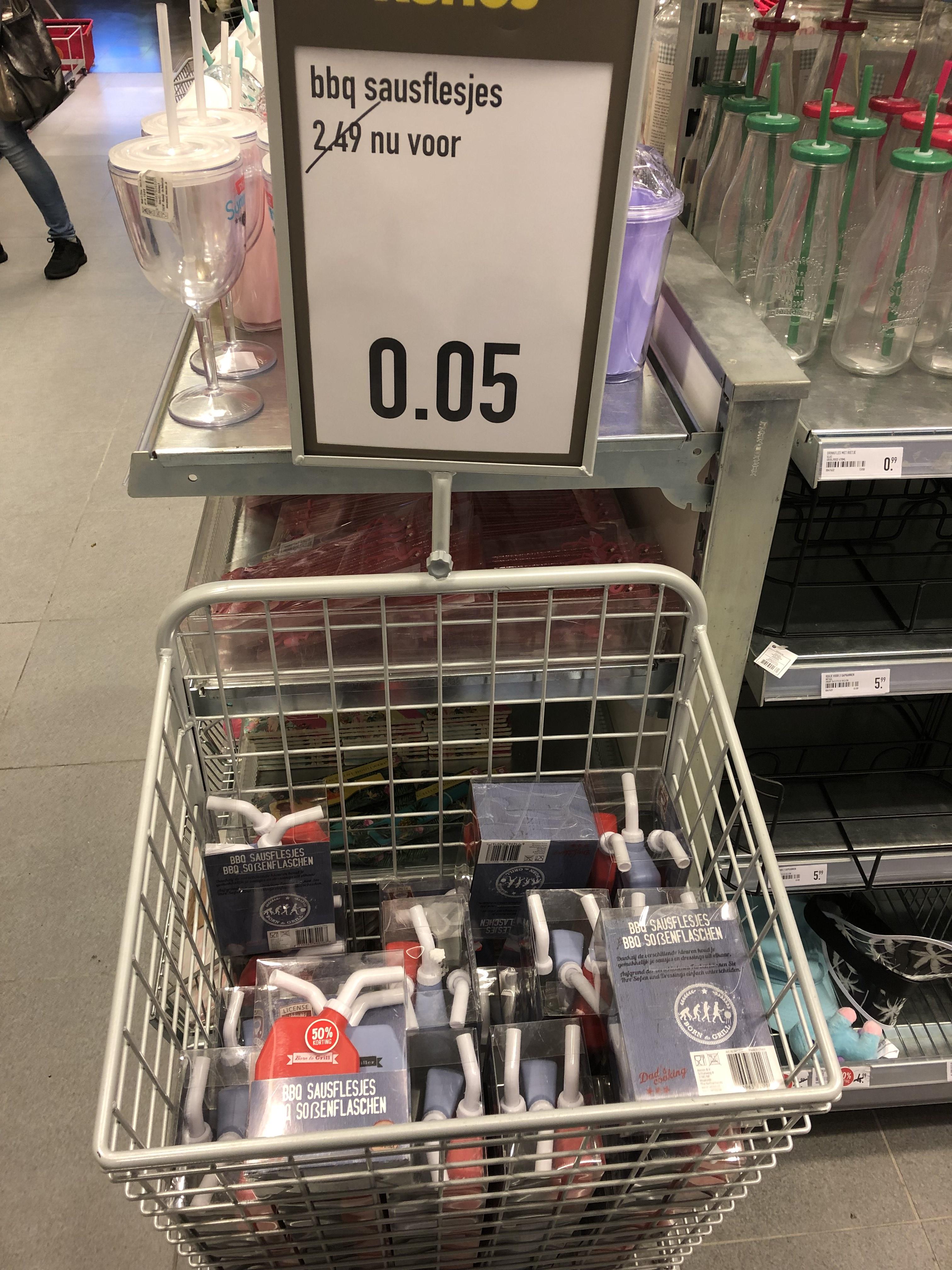 Lokaal?? BBQ sausflesjes voor €0,05 bij Xenos Leeuwarden