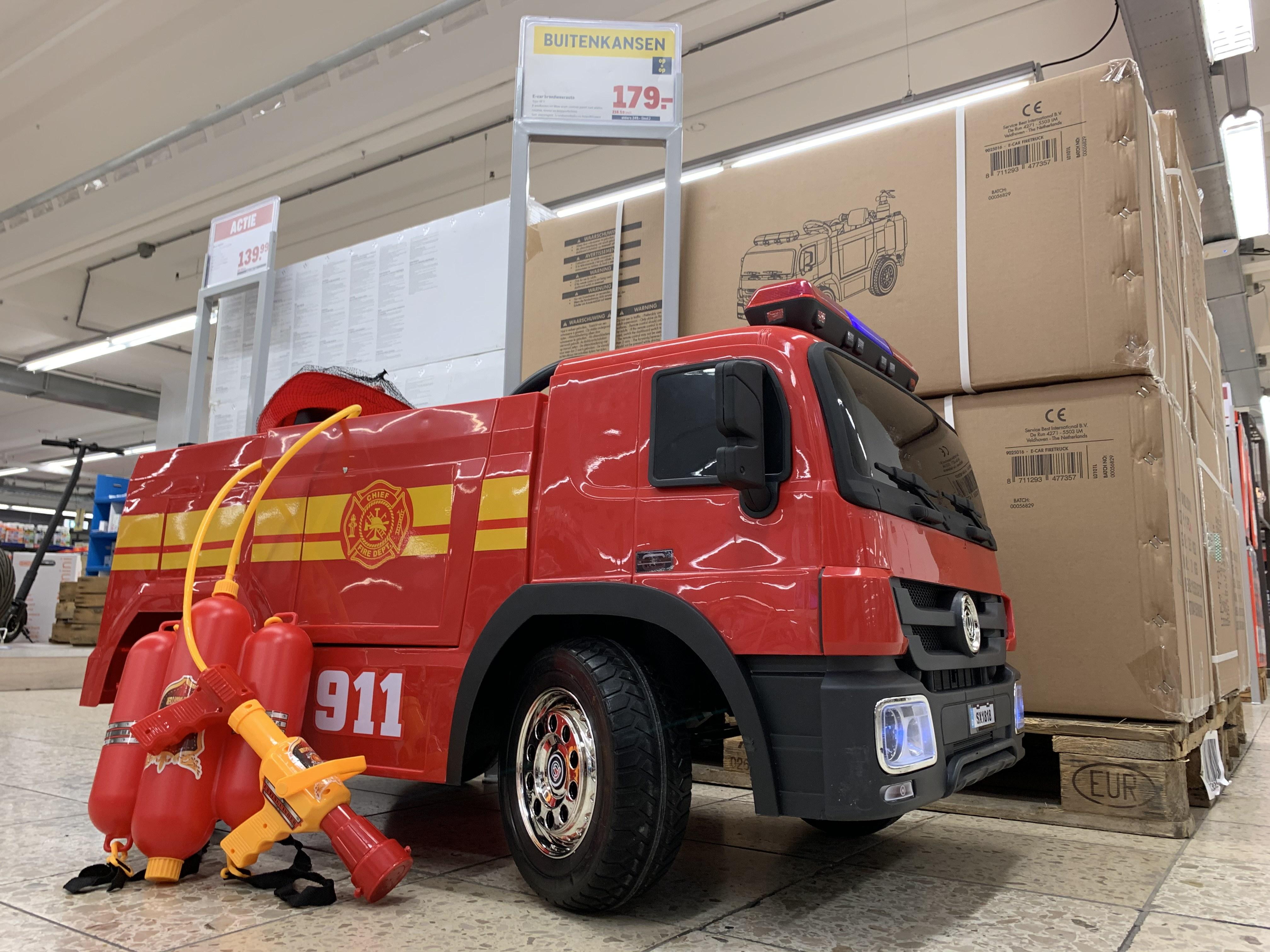 Elektrische brandweerauto bij Makro voor 179,- excl BTW