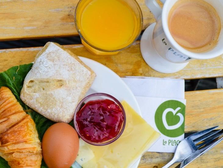 Ontbijt voor €2 tijdens Prijzen Circus @ La Place (V&D)