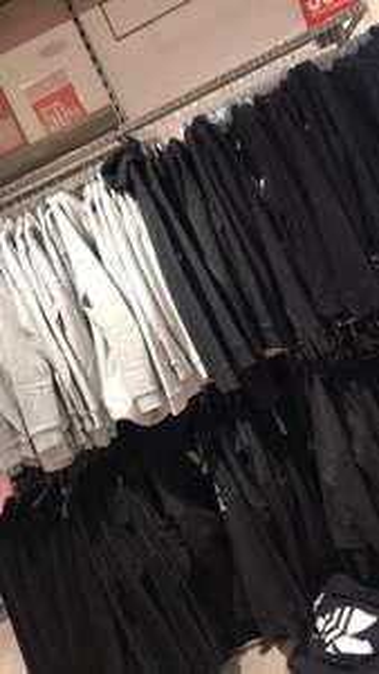 50% korting op alle Adidas @ Hudson's Bay (Den Haag & Maastricht)