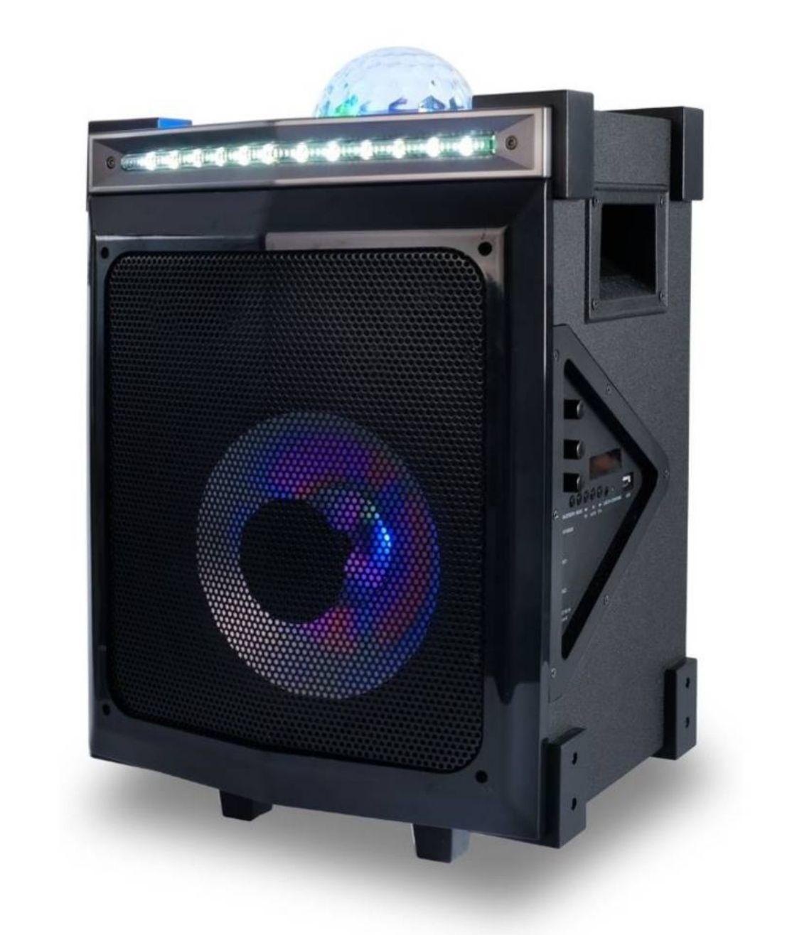BoomboxBouw het ultieme feestje met deze coole Noonday Party Trolly Bluetooth speaker! Voorzien van disco-effecten, Bluetooth.