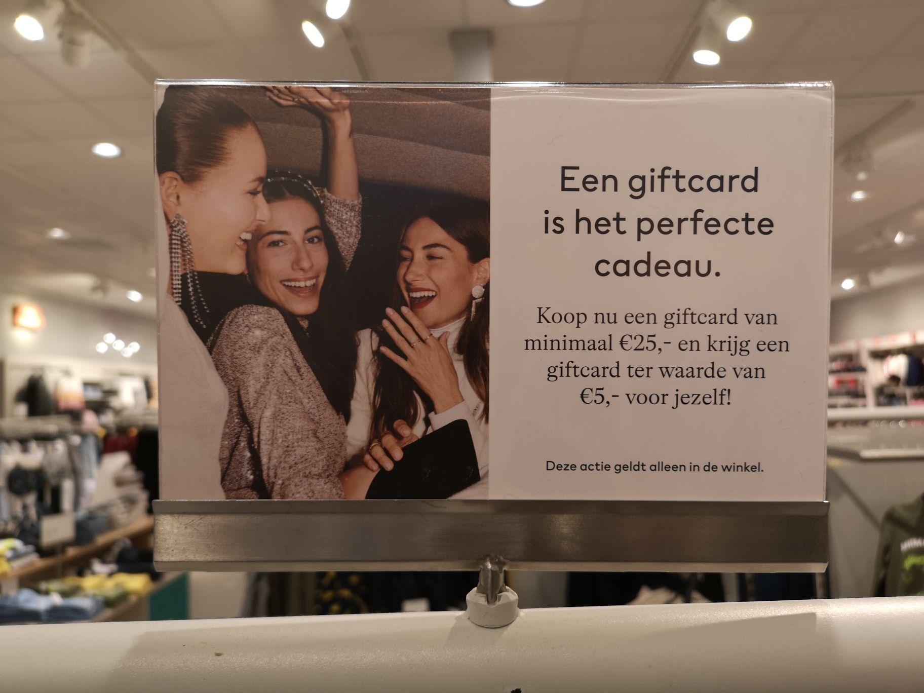 H&M giftcard twv €5 bij aanschaf giftcard 25€