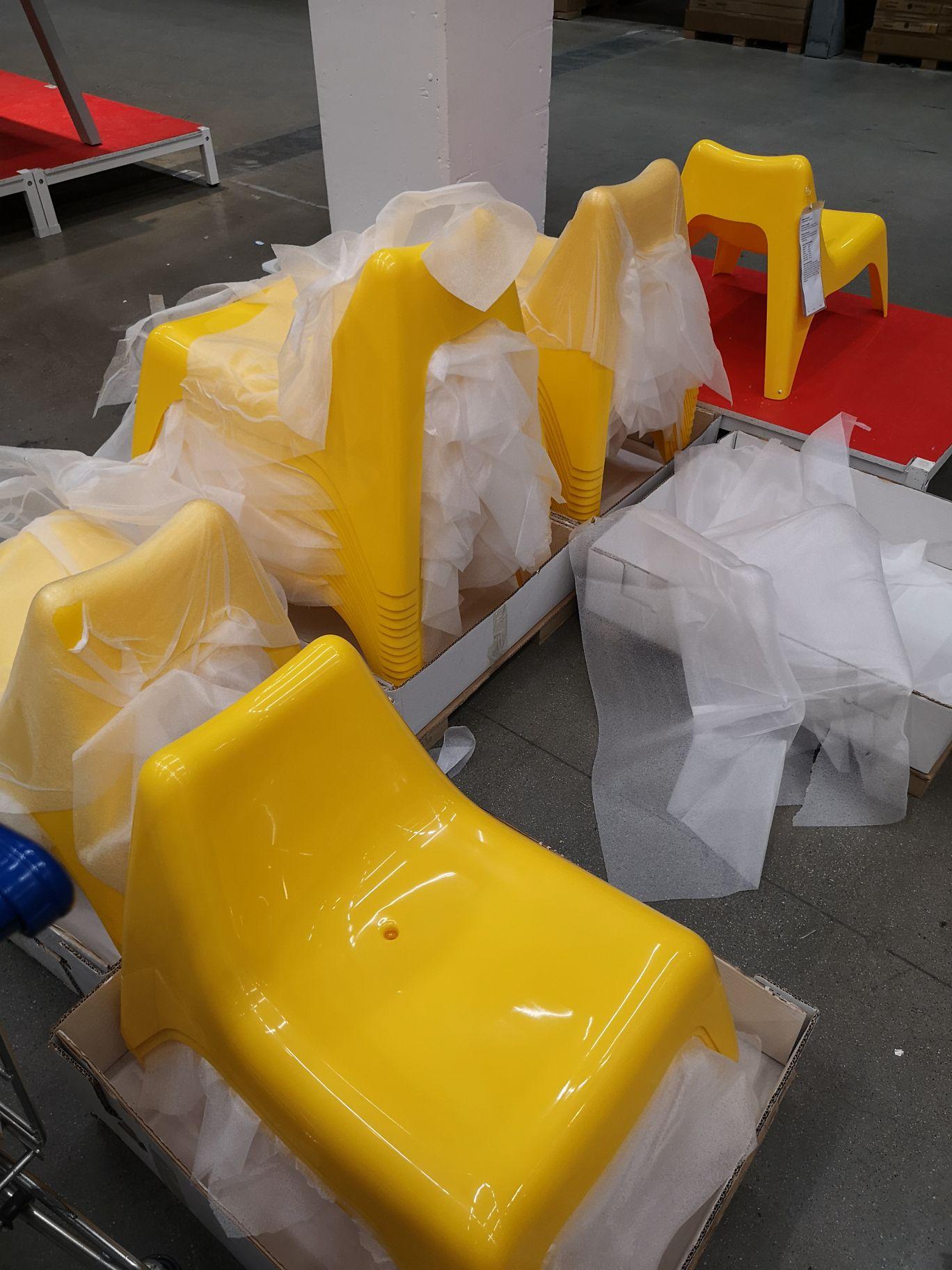 Kinderstoel voor buiten voor €3,99 @ IKEA Delft