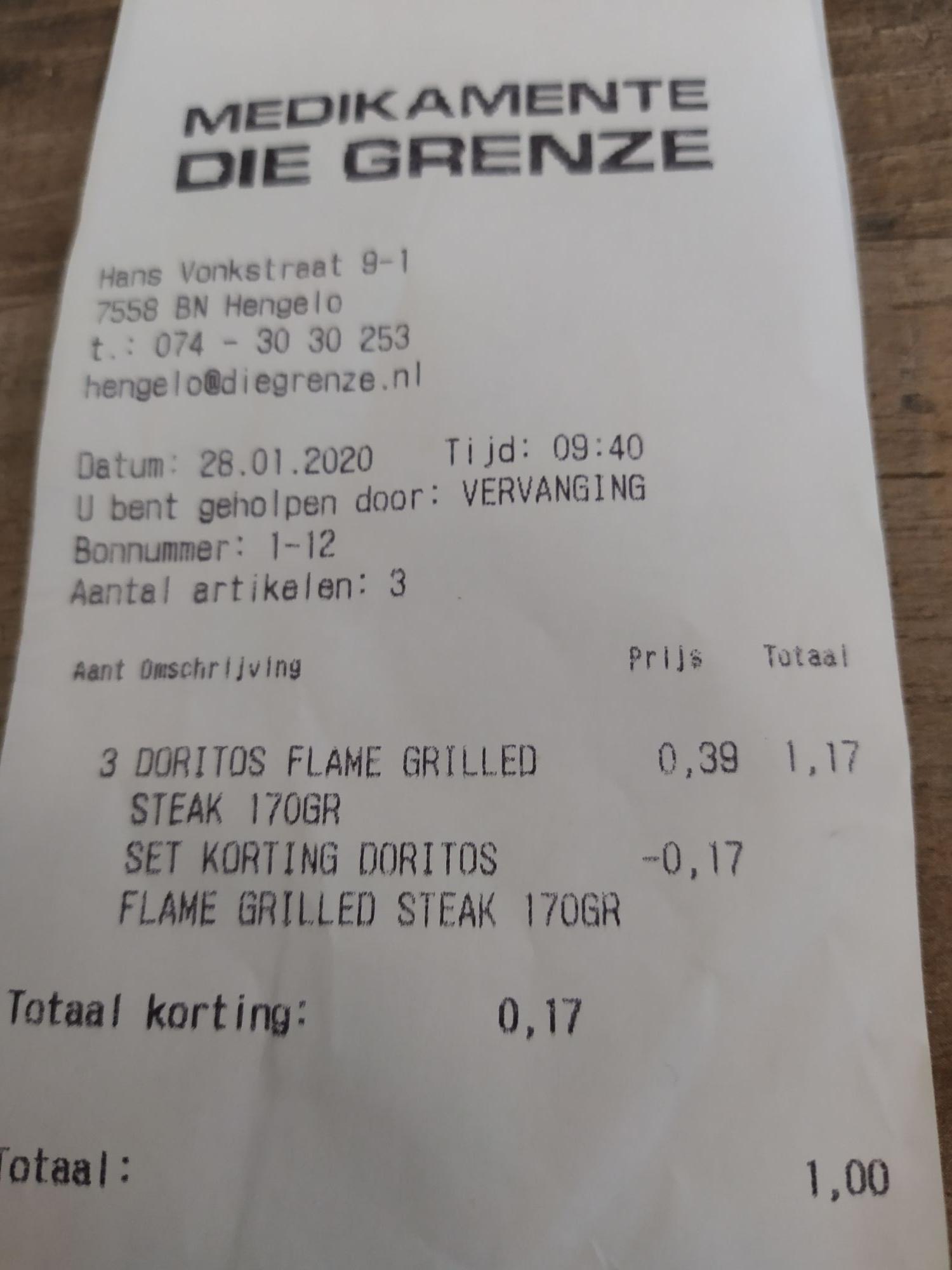 Doritos flame grilled steak 3 zakken voor 1 euro bij die grenze (let op datum)