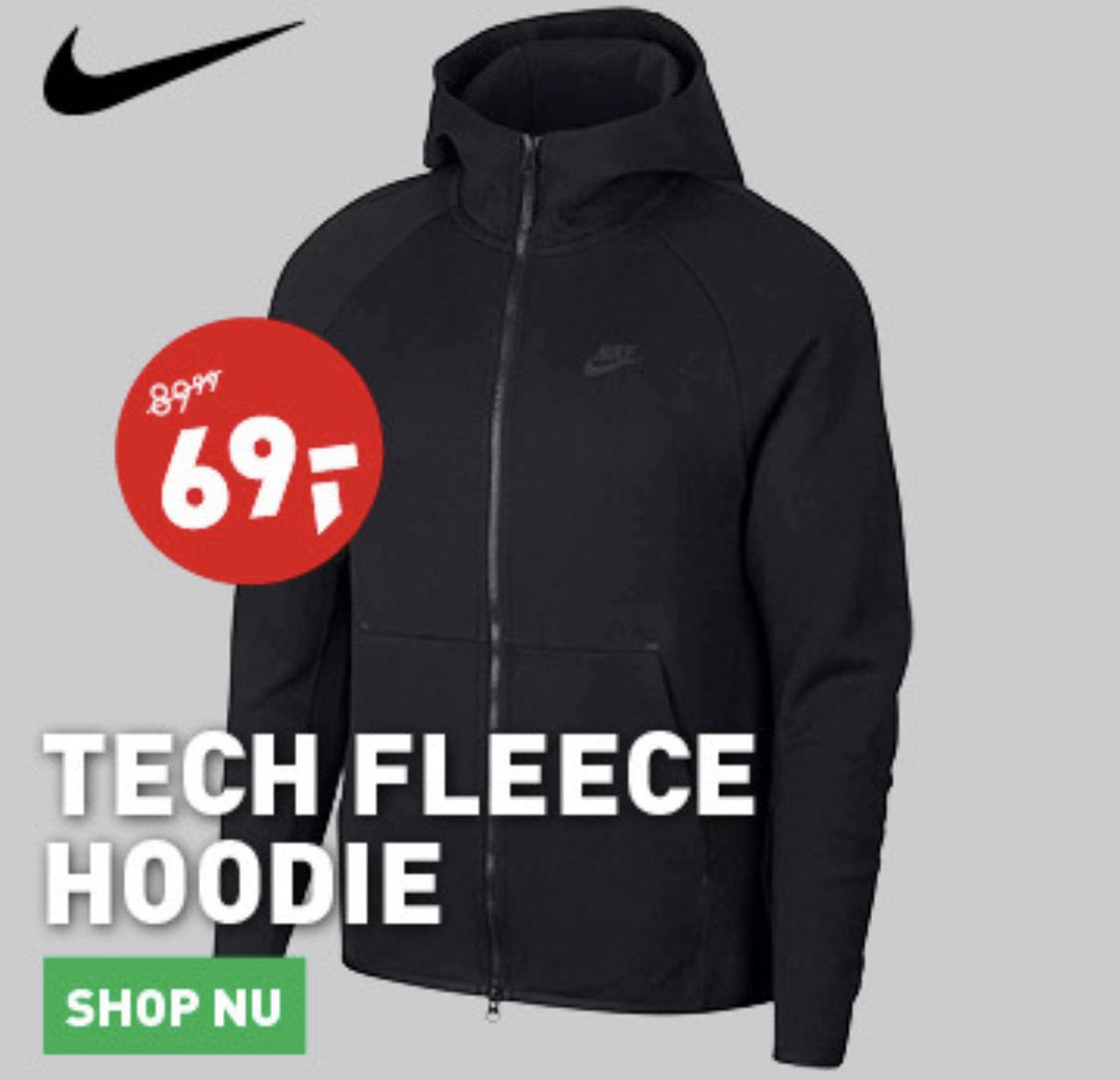 Zwarte Nike Tech Fleece vest of broek voor €69