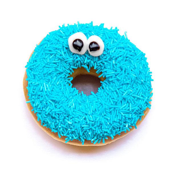 Jaar gratis donuts voor de 1e 100 bij Dunkin' Donuts Batavia Stad Lelystad op 7-2
