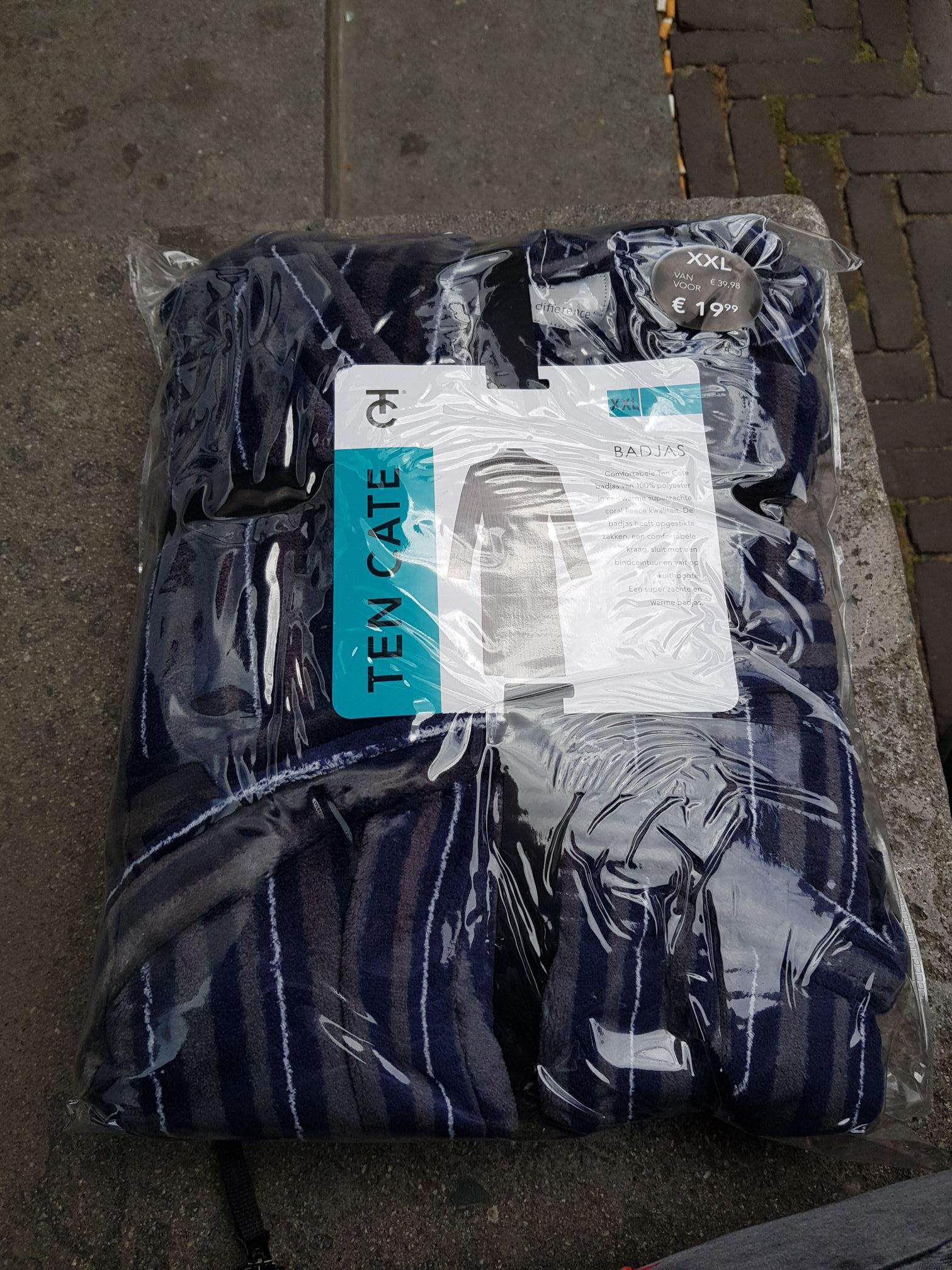 Diversen Heren/dames badjassen AH Torenstraat Den Haag van 20 voor 2,50
