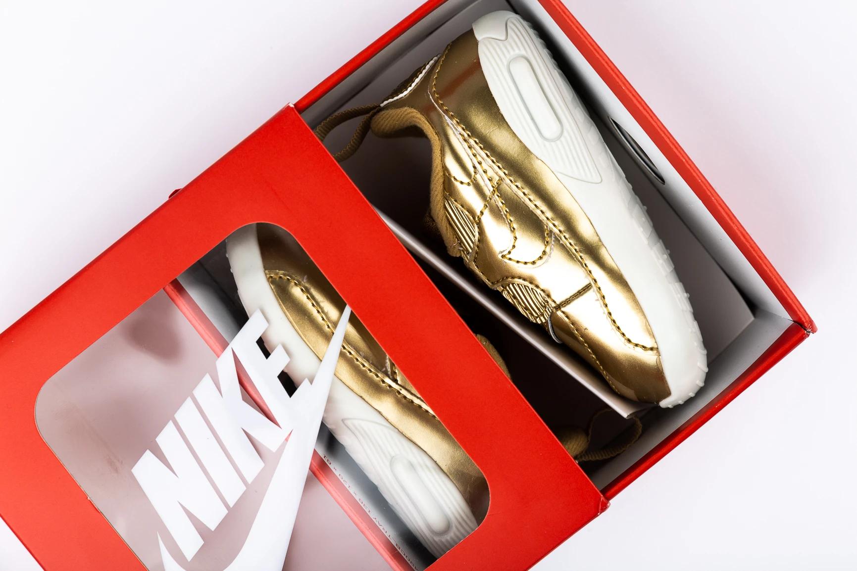 Gouden of zilveren Nike Air Max Crib (baby) @ Size