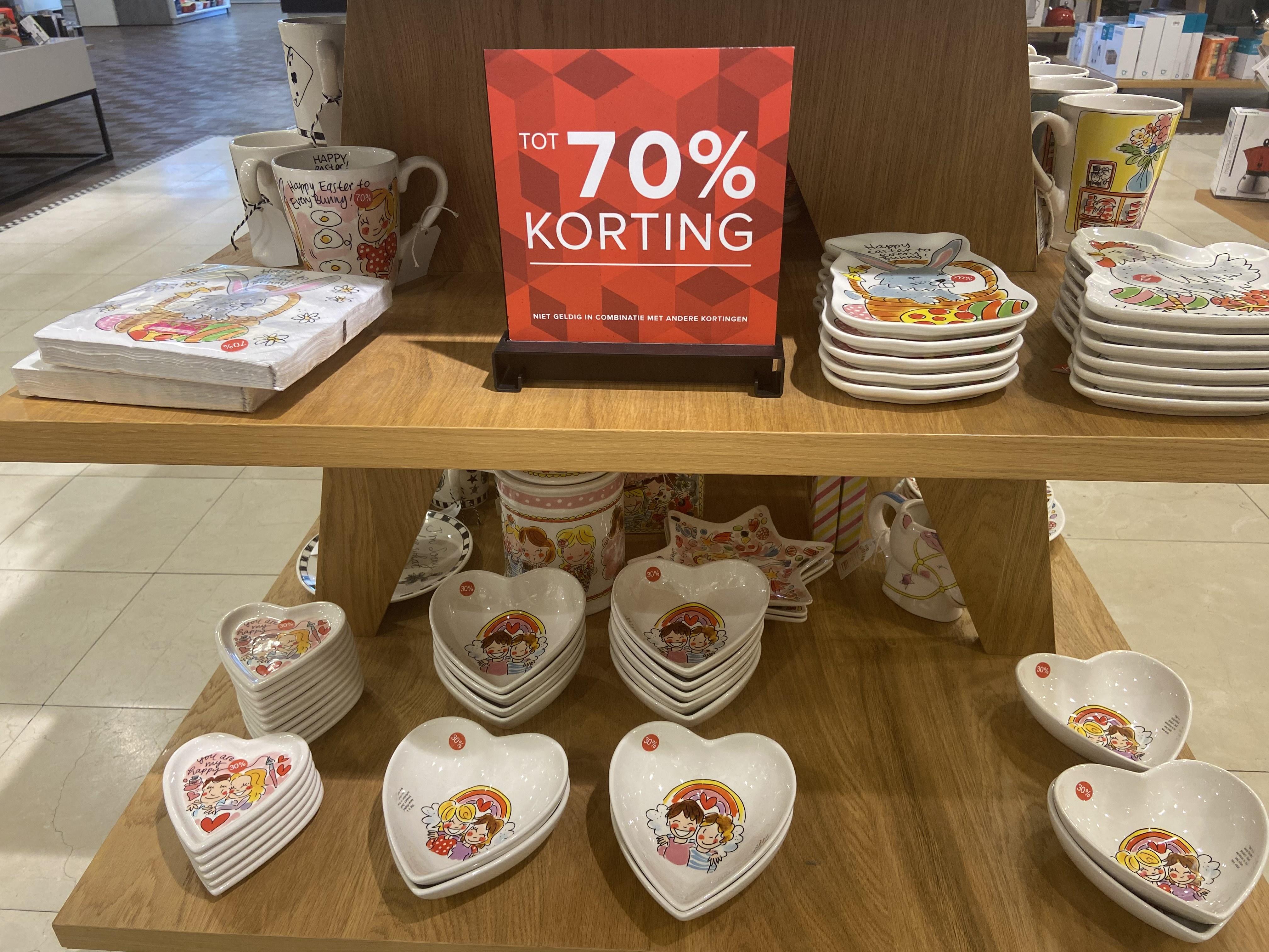 Blond amsterdam tot 70% korting! ( lokaal?) @Bijenkorf Amsterdam
