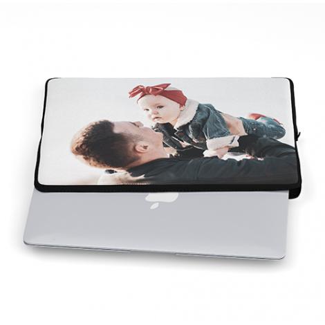 71% korting op reguliere prijs van laptophoes met 'eigen' foto (13, 14 of 15 inch) - v.a. €8,11