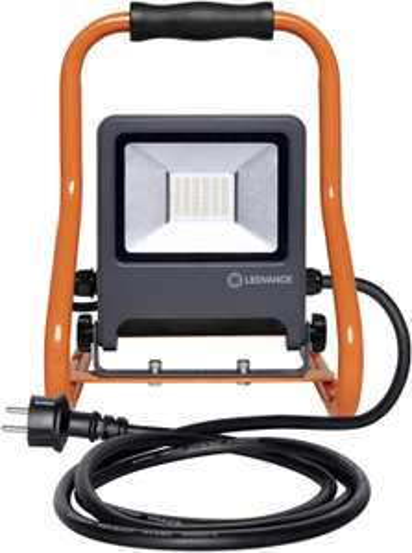 LEDVANCE LED Bouwlamp 30W IP44 koelwit met 2 stopcontacten (max 3kW) voor €26,35 bij Amazon