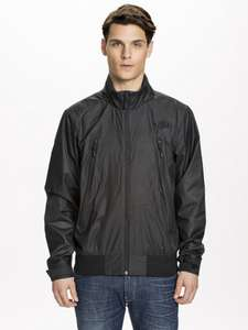 '50% korting' op The North Face jassen @ NLY MAN