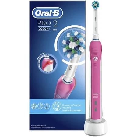 Oral-B elek. tandenborstels met korting. Bijv: Oral-B Pro 2 2000N Pink met 41% korting tov elders @ Trekpleister