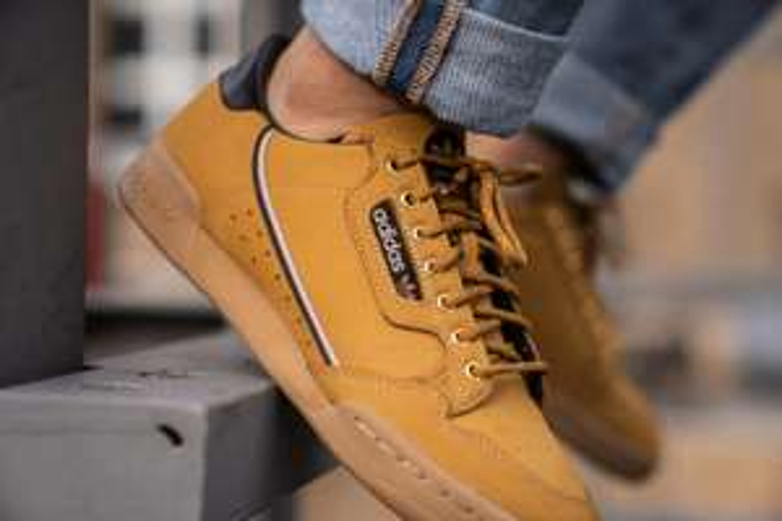 Verschillende Adidas Continental 80 sneakers - kids €29,99 - dames/heren €39,99