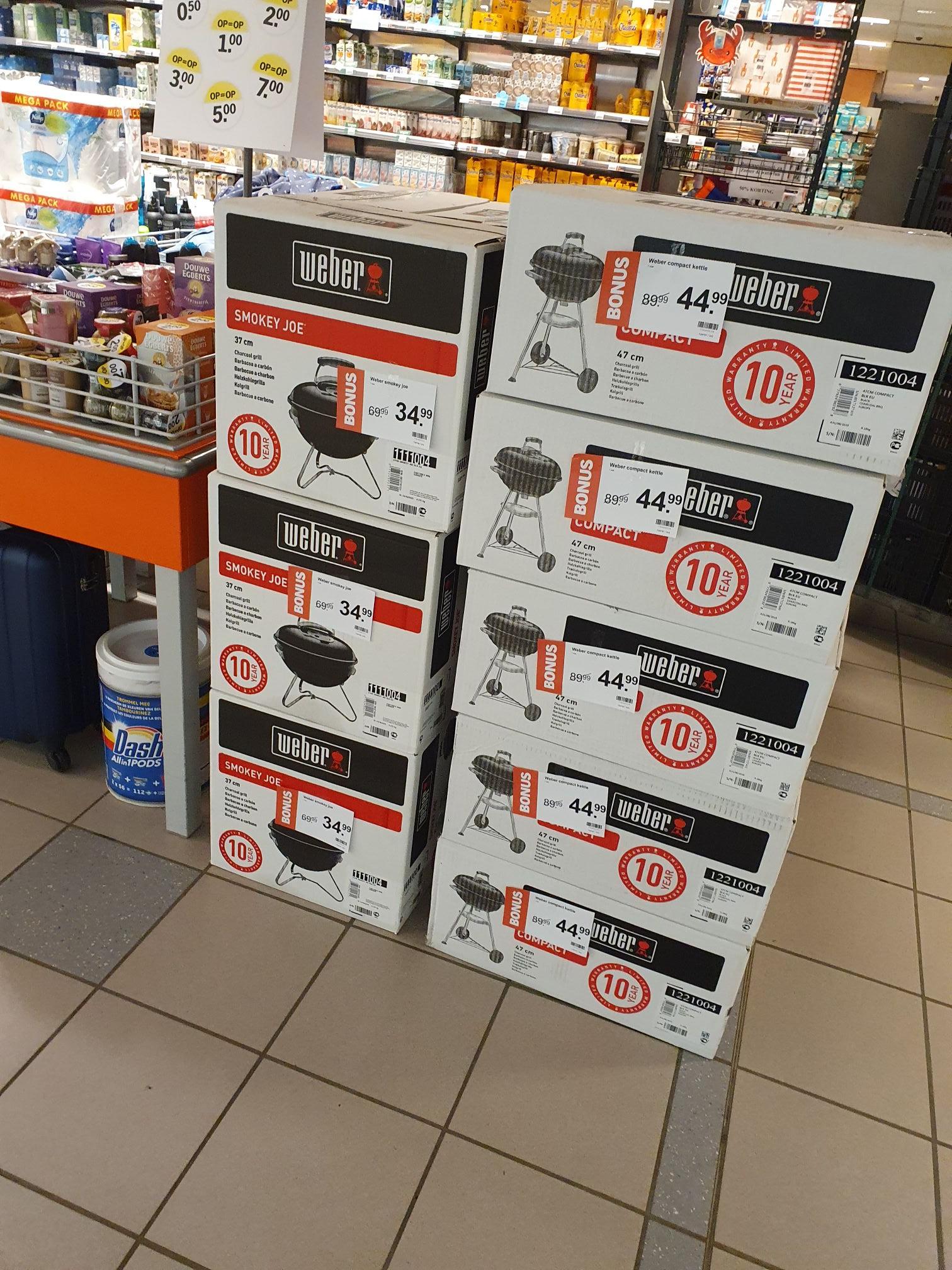 [Lokaal Vught] Weber Compact Kettle, Smokey Joe en andere bbq dingen @AH Marktveldpassage