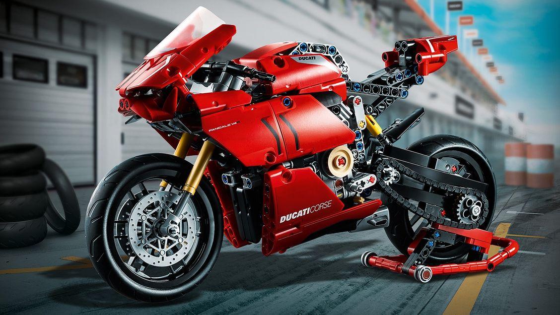 Lego 42107 Ducati Panigale -- € 43,64 (helaas lange levertijd: 25 oktober)