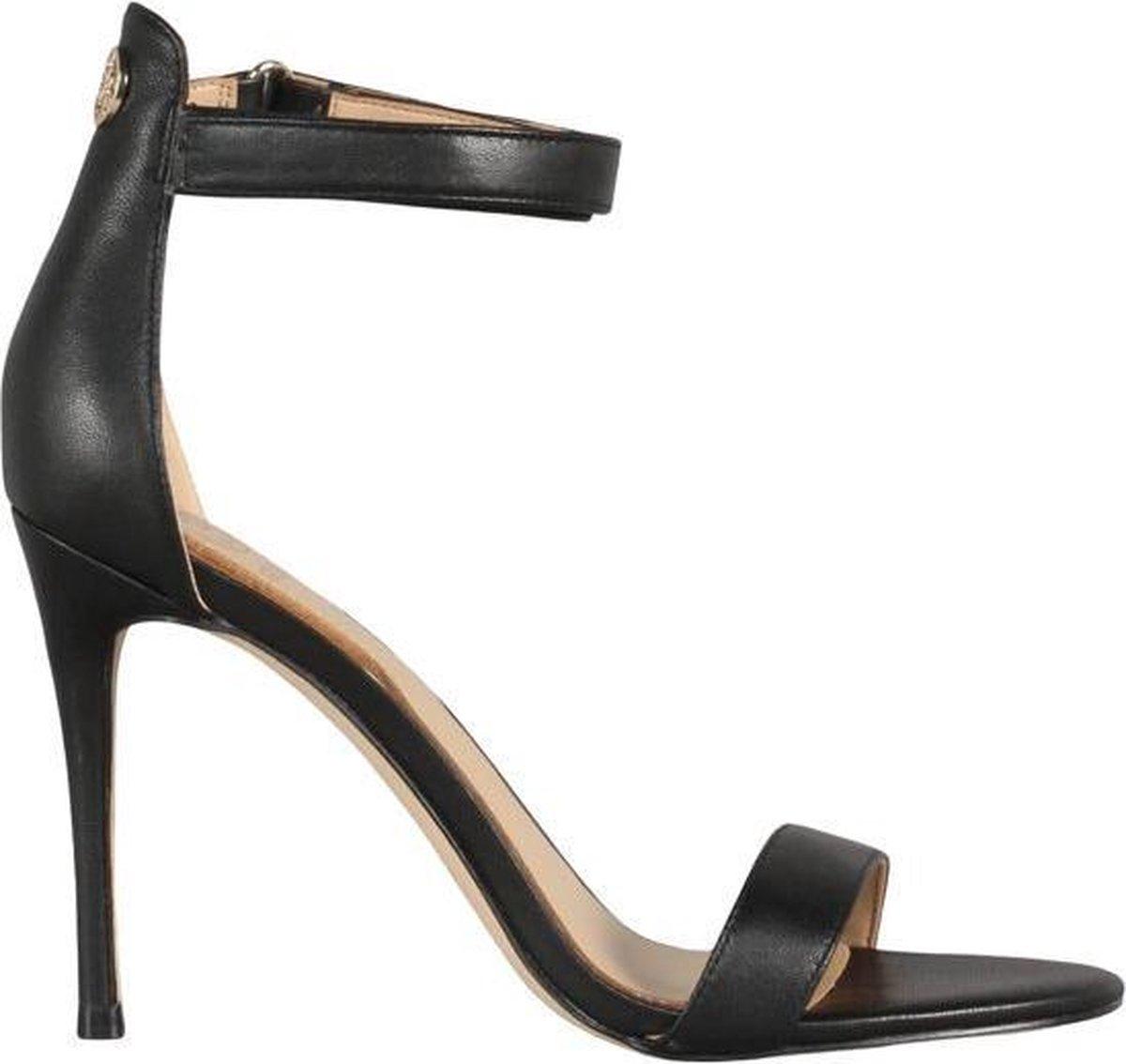 70% korting op Guess schoenen @ Bol.com