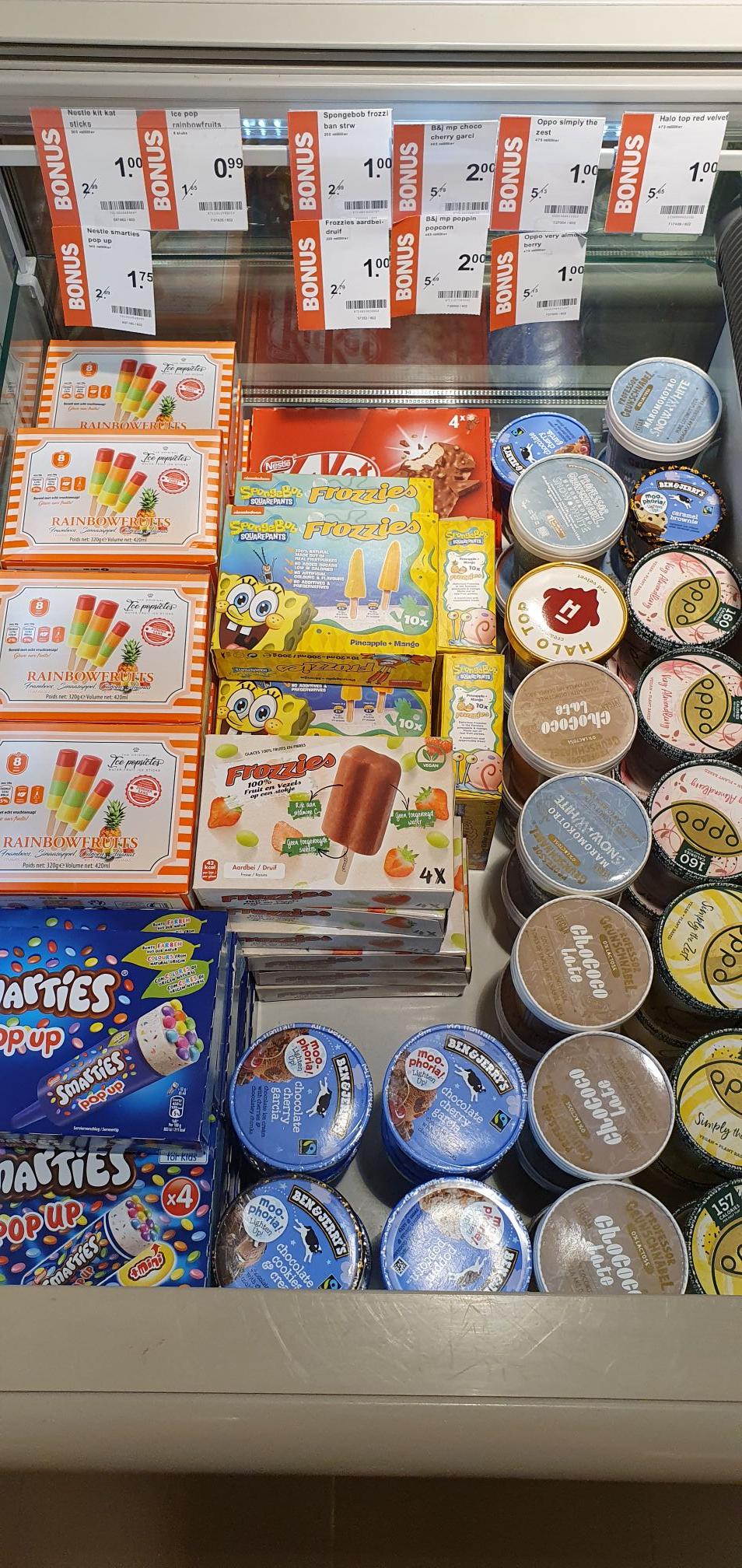 [Lokaal Albert Heijn Heino] Verschillende soorten ijs o.a. Ben & Jerry's en Smarties Pop Up
