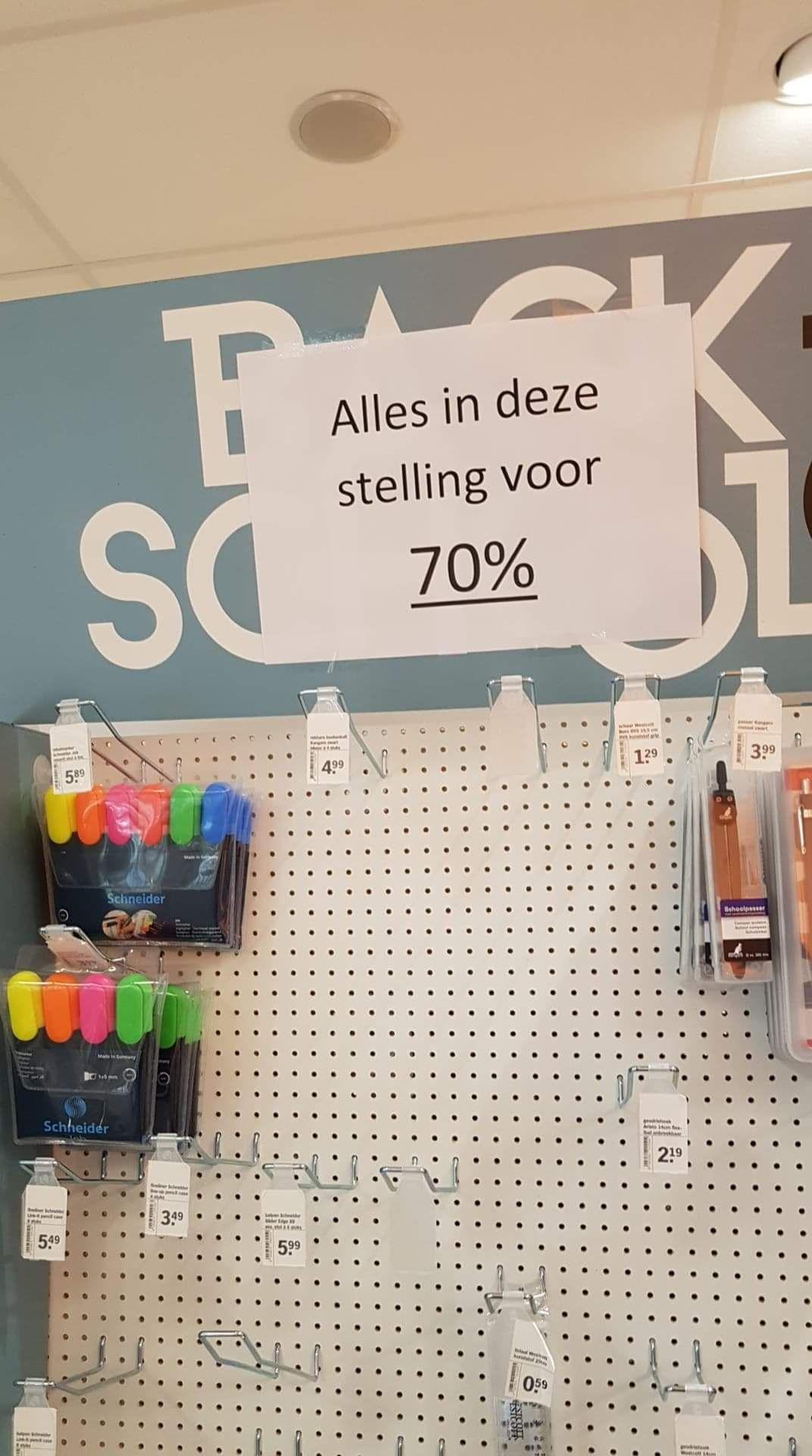 70% procent korting op schoolartikelen bij de Albert Heijn (lokaal)