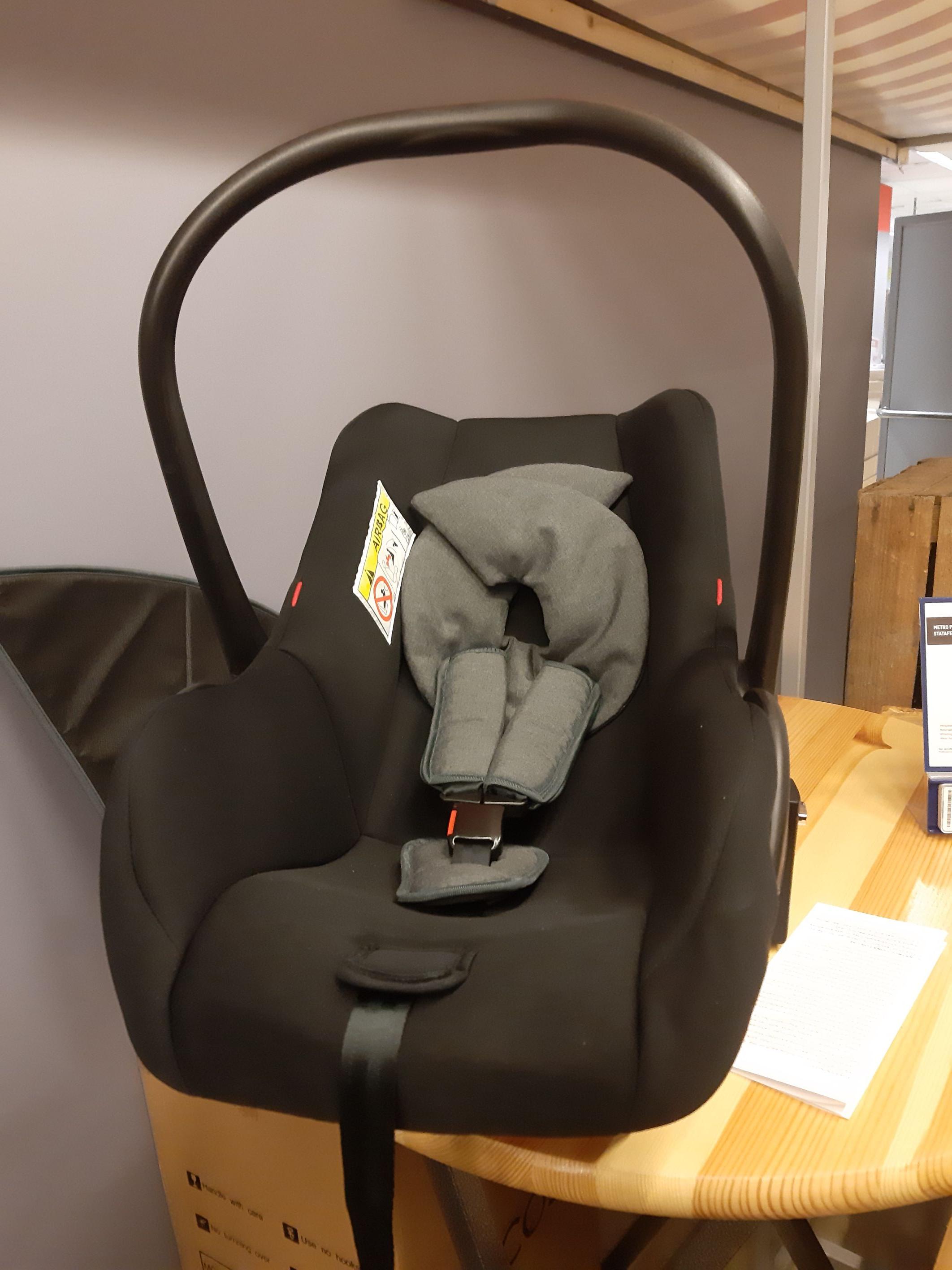 Baby autostoel Makro Hengelo