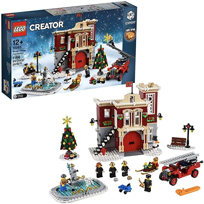 Lego Brandweerkazerne in winterdorp (10263)