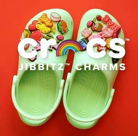 2 gratis jibbitz (twv €7,98) bij Classic Clogs + 20% korting + gratis verzending @ Crocs