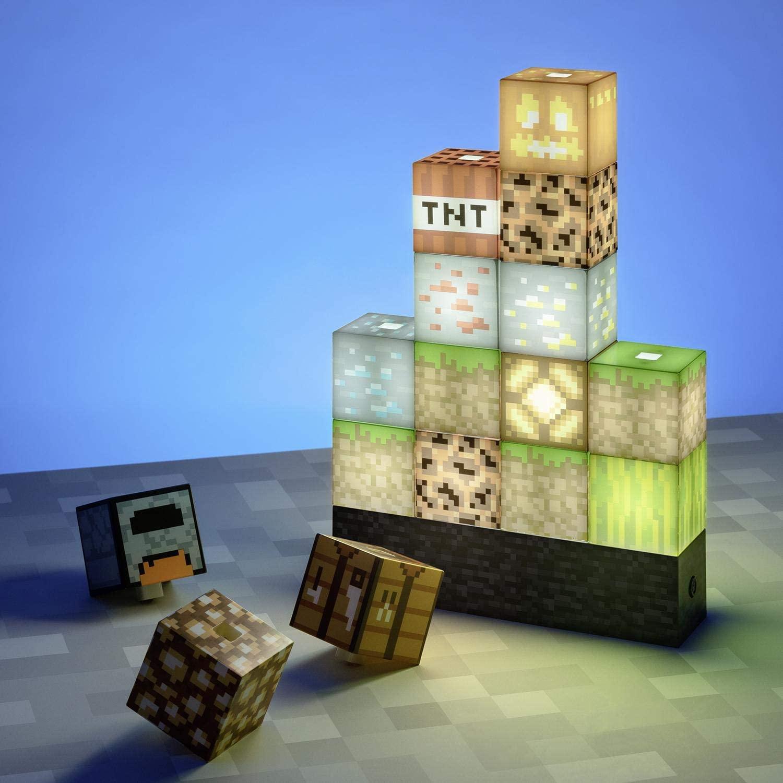 16 afzonderlijke Minecraft blokken, als lampje naar keuze op te stapelen voor €35,19