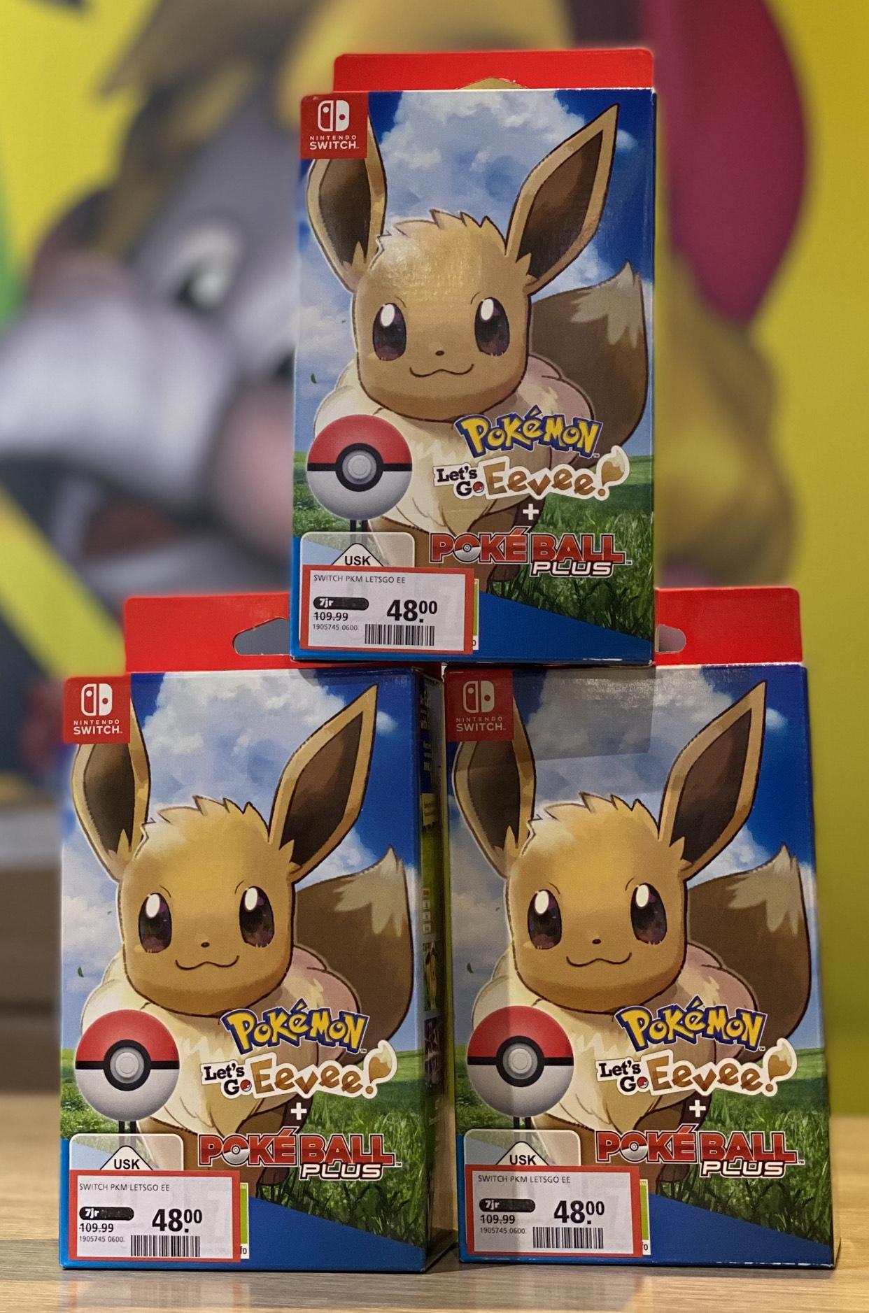 Pokemon: Let's Go Eevee! + Poke Ball Plus